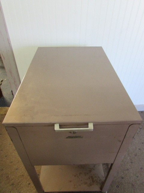 Lot Detail Top Load Metal Oxford File Cabinet Jpg 480x640 Loading Filing