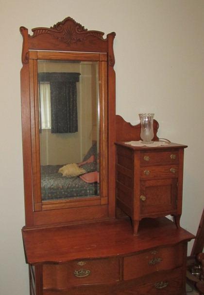 Lot Detail Vintage Oak Gentlemans Dresser W Cheval