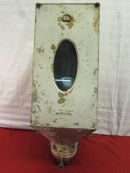 ANTIQUE/VINTAGE HOOSIER CABINET FLOUR BIN/SIFTER ... - Lot Detail - ANTIQUE/VINTAGE HOOSIER CABINET FLOUR BIN/SIFTER