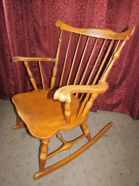 ... WONDERFUL ANTIQUE MAPLE ROCKING CHAIR ... - Lot Detail - WONDERFUL ANTIQUE MAPLE ROCKING CHAIR