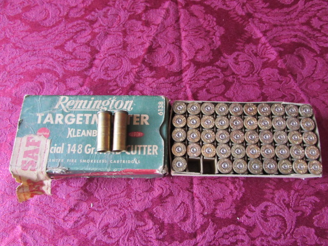 Lot Detail - AMMO BOX WITH LIVE 30-06 & 30-06 SHELLS & MORE
