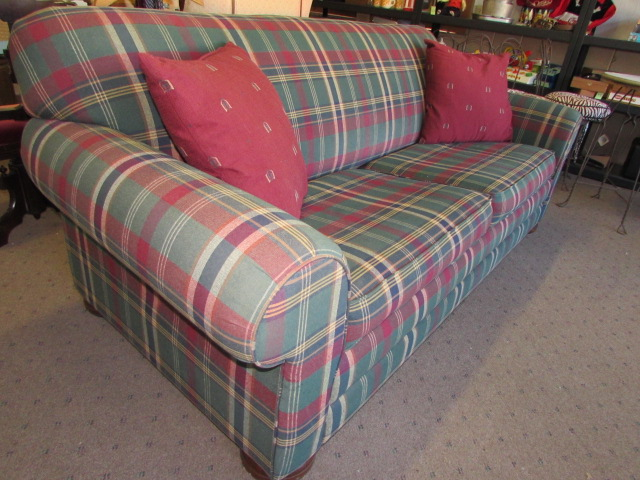 Very Attractive Lazy Boy Sleeper Sofa In Great Condition