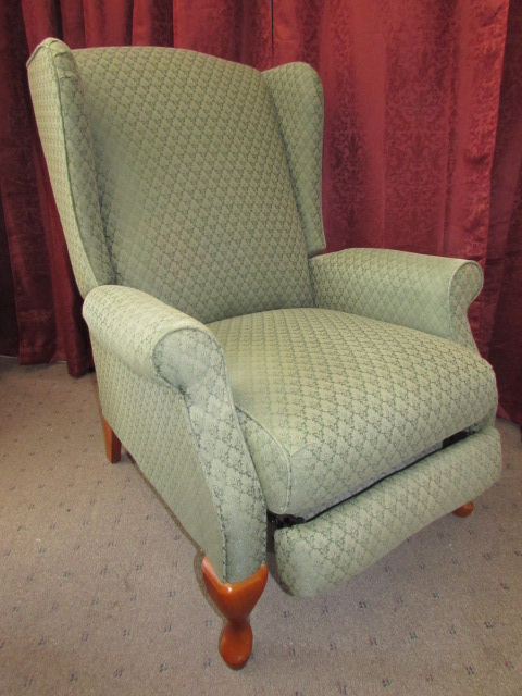 ... ELEGANT LAZY BOY WING BACK RECLINER IN VERY GOOD CONDITION ...