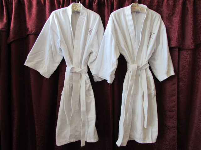 lot detail his hers spa treatment two 100 cotton terry cloth bath robes. Black Bedroom Furniture Sets. Home Design Ideas