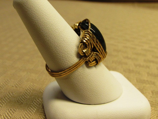 Lot Detail - BRILLIANT GOLD WIRE WRAPPED BLOODSTONE RING