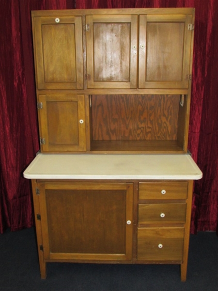 Lot detail vintage wood hoosier cabinet with flour bin for Antique kitchen cabinets with flour sifter