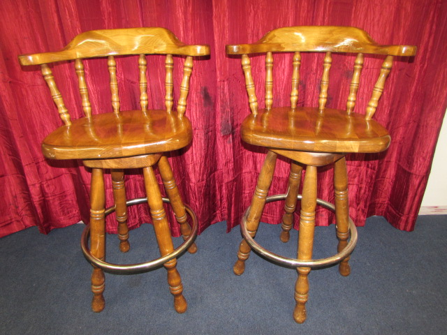 Lot Detail MATCHING PAIR OF HEAVY MAPLE SWIVEL CAPTAINS  : 10807901lg from anyandallauctions.com size 640 x 480 jpeg 143kB