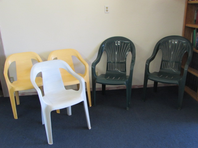 Lot Detail Five More Patio Chairs Rubbermaid Amp Syrocco