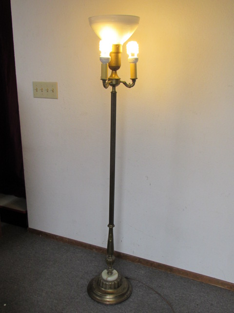 Lot Detail - ANTIQUE TORCHIERE STYLE FLOOR LAMP BRASS WITH ...