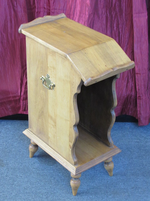 lot detail cute little side table with lots of personality great for small spaces. Black Bedroom Furniture Sets. Home Design Ideas