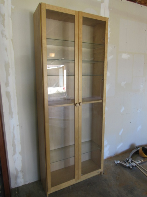 Lot Detail - TALL CABINET WITH MAPLE FRAMED GLASS DOORS