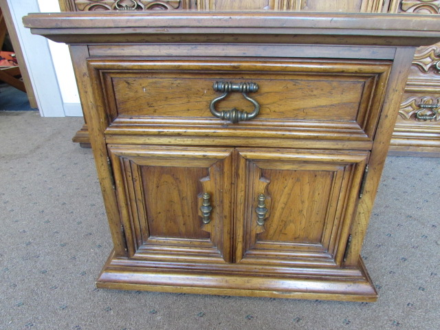 Lot Detail Well Made Drexel Furniture Nightstand
