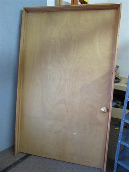 Lot detail extra wide hollow core door with frame doorknob Extra wide front doors