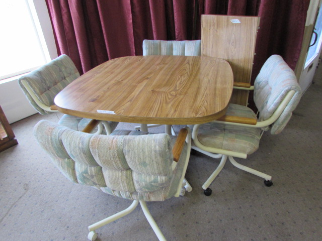 Lot Detail - KITCHEN TABLE WITH 4 ROLLING CHAIRS