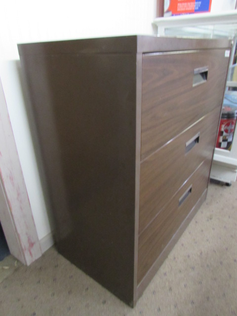... HEAVY DUTY METAL FILING CABINET WITH FAUX WOOD GRAIN DRAWER FRONTS & Lot Detail - HEAVY DUTY METAL FILING CABINET WITH FAUX WOOD GRAIN ...