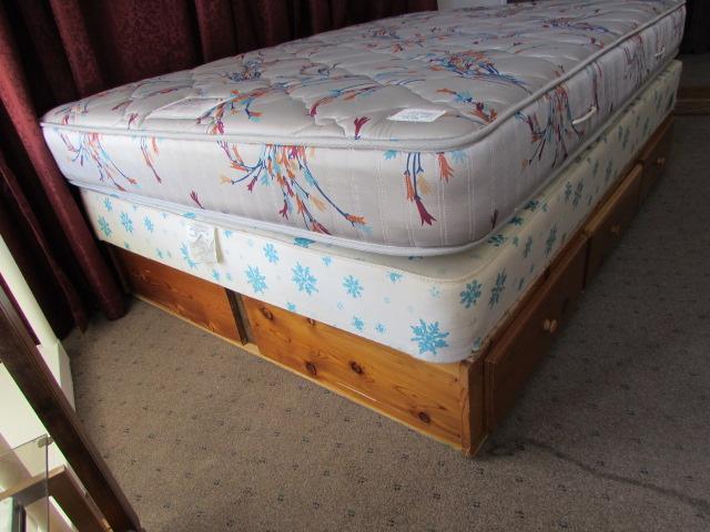 lot detail full size mattress box spring with pedestal frame 6 drawers. Black Bedroom Furniture Sets. Home Design Ideas