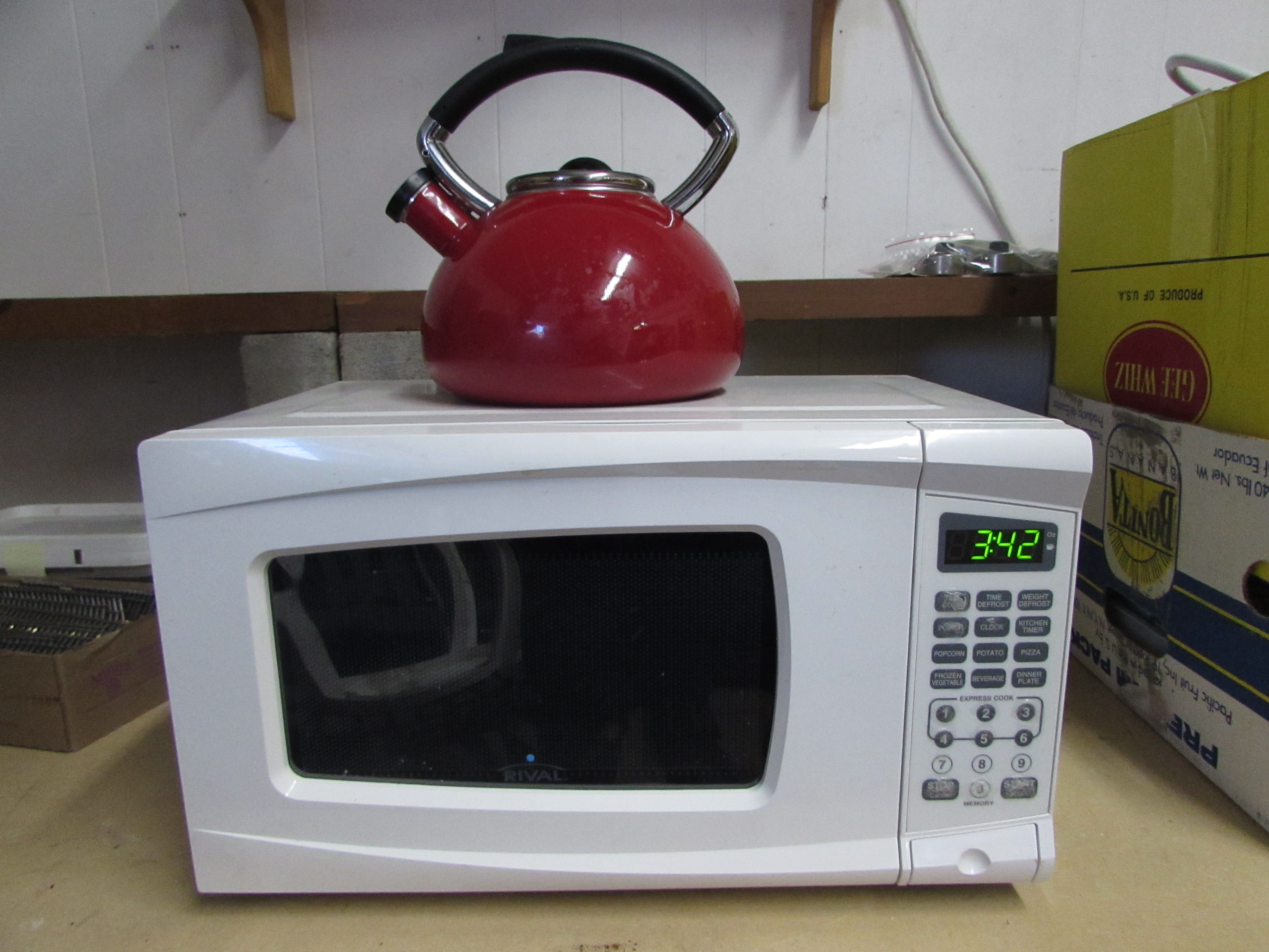 Lot Detail Rival Microwave Oven