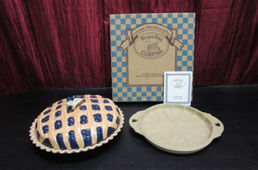 BROWN BAG SHORTBREAD PAN & BLUEBERRY PIE PLATE WITH LID