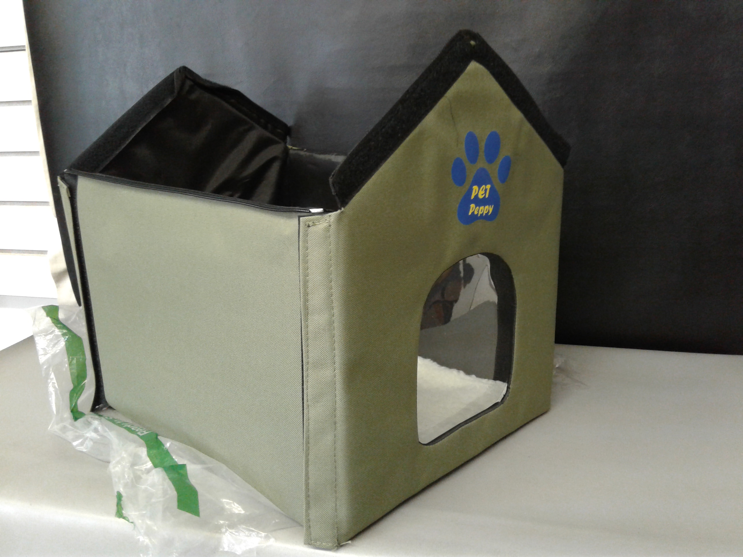 Lot Detail Outdoor Indoor Cat House By Pet Peppy